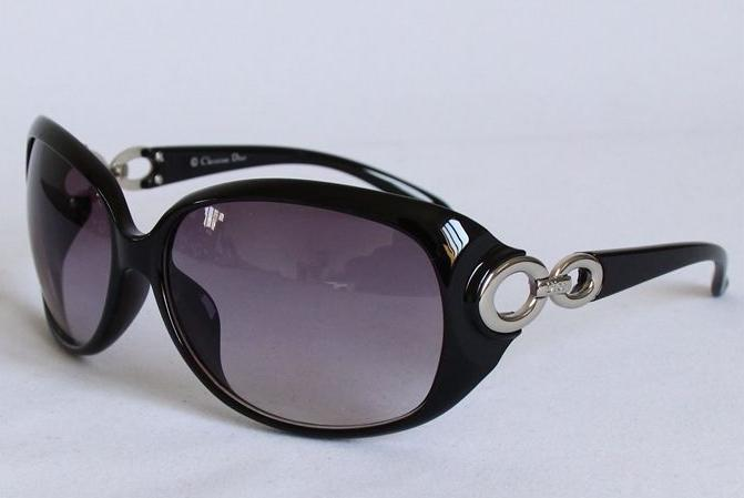 4-colors-With-original-box-Anti-UV-Sunglasses-women-brand-designer-2013-glasses-big-frame-Free.jpg