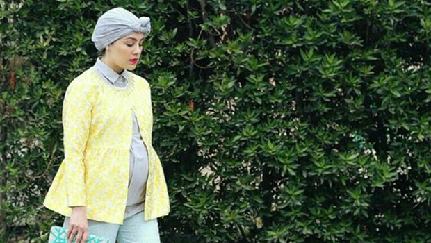 header_image_pregnant-hijab-style-fustany-main-image-AR.png
