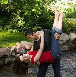صور احضان رقيقة صور احضان رومانسية 2020 اروع صور حب منتديات
